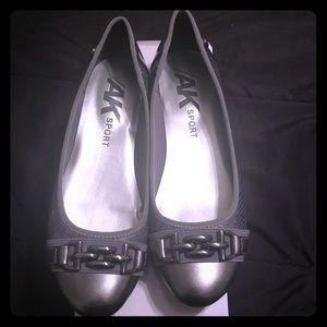 NEW!!  Anne Klein Sport Alexa Ballet Flats